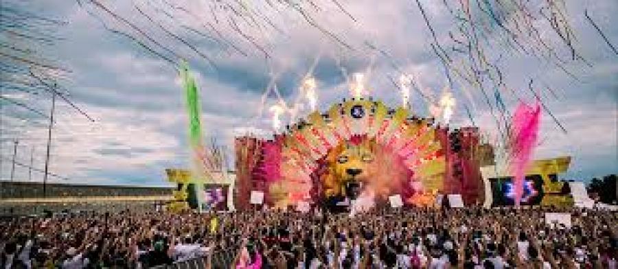 فستیوال رنگارنگ در استانبول و ازمیر