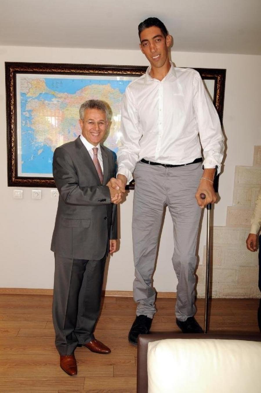 بلندقدترین مرد ترکیه در فیلمهای آمریکایی بازی خواهد کرد