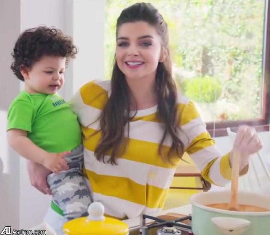 دستمزد یک میلیارد تومانی بازیگر حریم سلطان و فرزندش برای حضور در آگهی شیرخشک (+عکس)