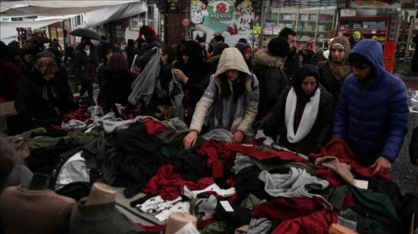 حضور گسترده گردشگران ایرانی در بازار روز استانبول