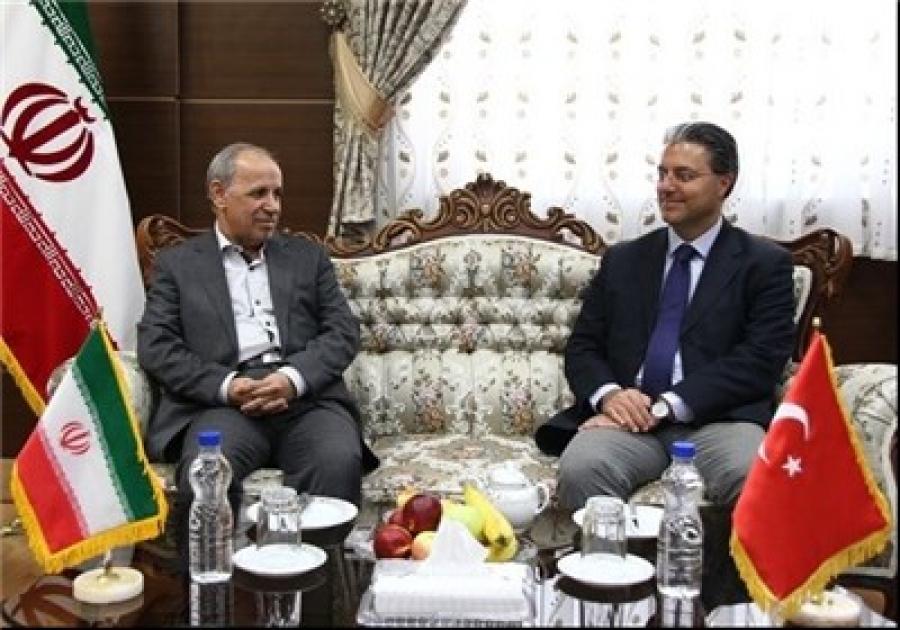 استاندار زنجان گفت: ۵۰ درصد حجم صادرات استان زنجان به کشور ترکیه است