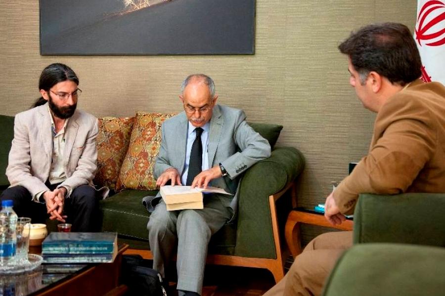 در ملاقات پروفسور کافکاسیالی و سید عباس سجادی مطرح شد؛ همکاری دانشگاه ارزروم و فرهنگسرای نیاوران در حوزه فرهنگ و هنر