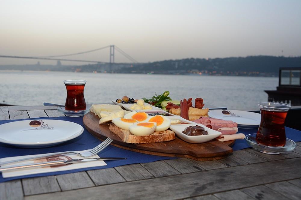 صبحانه در ارباپ