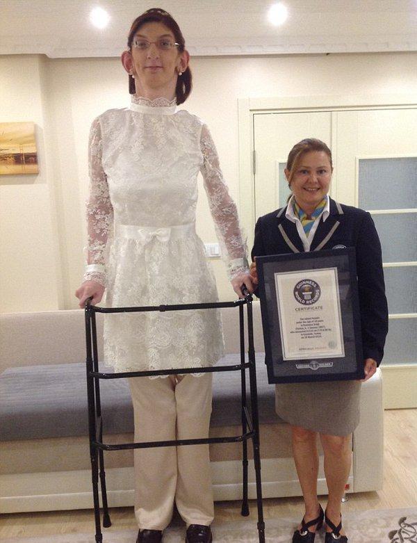 بلندقدترین زن دنیا