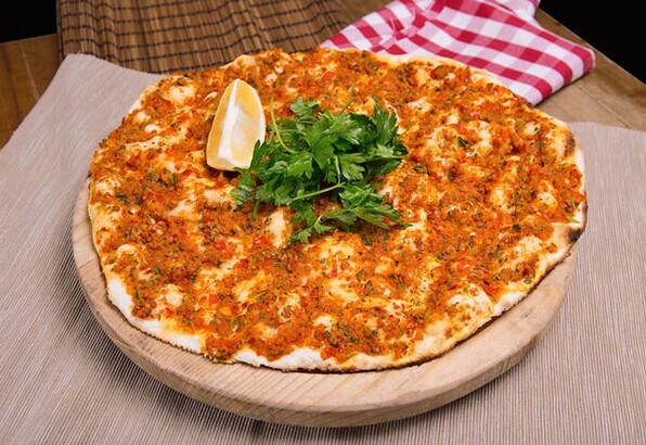 لهمجون از غذاهای ترکیه ای