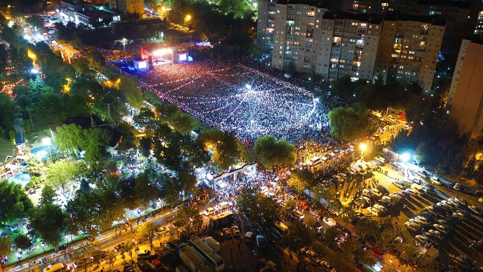 فستیوال صلح و دوستی بیلیکدوزو استانبول