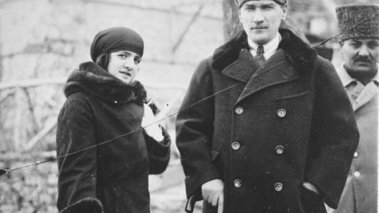 آتاتورک و همسرش