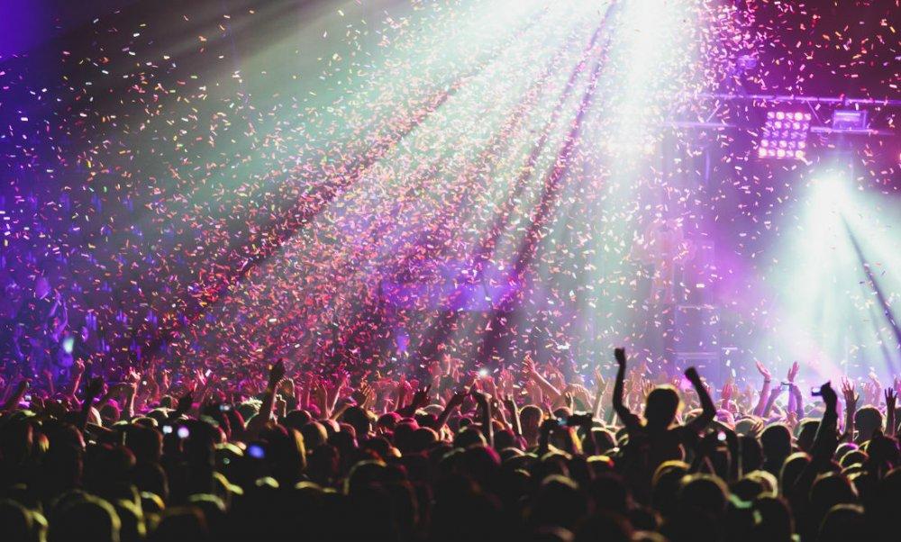 خوانندگان معروف ترکیه شب سال نو کجا هستند ؟